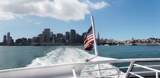 Boot, das San Francisco verlässt Lizenzfreie Stockfotografie