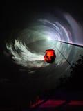 Boot, das Zeit und Raum überschreitet Lizenzfreie Stockfotografie