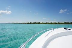 Boot in de Caraïben stock foto's