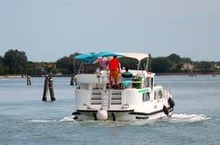 Boot in de lagune van Venetië Stock Fotografie