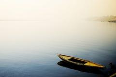 Boot in de Rivier Ganges Royalty-vrije Stock Afbeeldingen