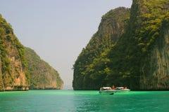 Boot in der Lagune stockbild