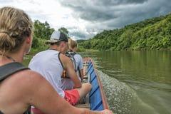 Boot der Mekong, Laos des langen Schwanzes Lizenzfreie Stockbilder