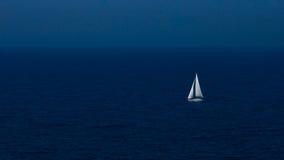 Boot in der Nacht Stockbild