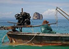 Boot des langen Hecks in Huhn-Insel (Thailand) Stockfotografie