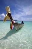 Boot des langen Hecks in Thailand lizenzfreie stockfotografie