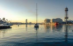 Boot die van de haven vertrekken royalty-vrije stock afbeeldingen