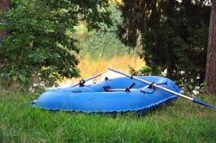 Boot door het meer stock afbeelding