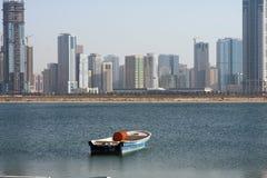 Boot en gebouwen Royalty-vrije Stock Foto's