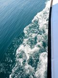 Boot en golven Royalty-vrije Stock Foto