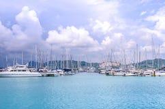 Boot en haven Stock Afbeeldingen