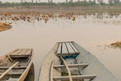 Boot en rivier stock foto's