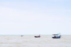 Boot en zeegezicht Stock Foto