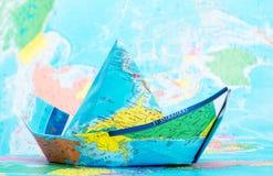 Boot hergestellt von der Karte stockfotografie