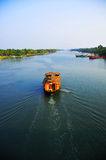 Boot in het meer Stock Afbeeldingen