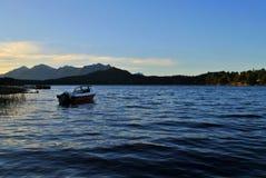 Boot in het meer royalty-vrije stock afbeelding