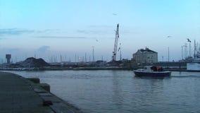 Boot im Hafen stock footage