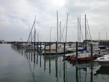 Boot im Hafen am See Stockfotografie