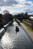 Boot im Kanal lizenzfreies stockbild