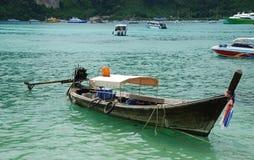 Boot im Meer. Lizenzfreies Stockfoto