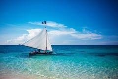 Boot im Meer Lizenzfreie Stockfotografie