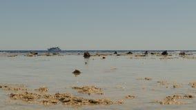 Boot im Meer, Ebbe, Landschaft stock video footage