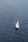Boot im Ozean Stockbild