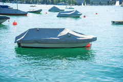 Boot im Sommer auf einem See Lizenzfreie Stockfotografie