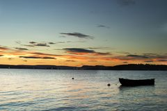 Boot im Sonnenuntergang Stockfoto