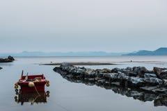 Boot im Wasser Lizenzfreie Stockfotografie