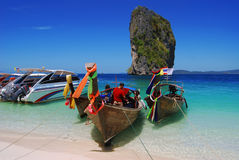 Boot, Meer, Andaman Süd-Thailand Lizenzfreie Stockfotos