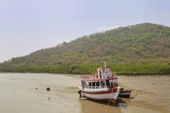 Boot in Meer stockbild