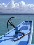 Boot mit Anker im blauen Wasser, Palawan Lizenzfreies Stockbild