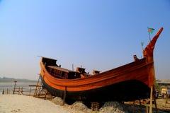 Boot mit Landesflagge Stockbild