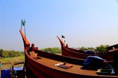 Boot mit Landesflagge Stockfoto