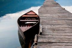 Boot mit Pier Lizenzfreie Stockfotos
