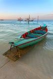 Boot mit Rudern lizenzfreies stockbild