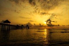 Boot mit Sonnenaufgangansicht Lizenzfreie Stockbilder