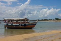 Boot in morro De Sao-Paulo Brasilien, dritter Strand lizenzfreies stockbild