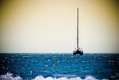 Boot in oceaan Royalty-vrije Stock Fotografie