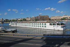 Boot op de Donau, Boedapest, Hongarije Stock Foto