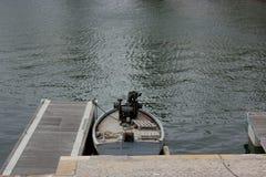Boot op de oppervlakte van het overzees Stock Afbeelding
