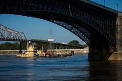 Boot op de rivier van de Mississippi royalty-vrije stock foto's