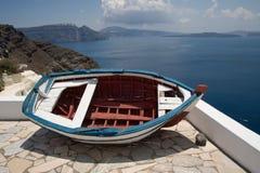 Boot op het balkon, Santorini, Griekenland Royalty-vrije Stock Afbeeldingen