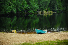Boot op het meer Stock Afbeeldingen