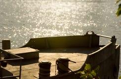 Boot op het meer. Royalty-vrije Stock Afbeeldingen