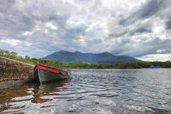 Boot op het meer in Killarney - Ierland. Royalty-vrije Stock Afbeeldingen