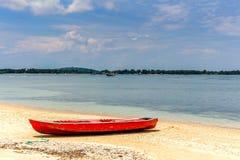 Boot op het strand at low tide Indische Oceaan Royalty-vrije Stock Foto