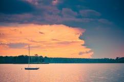 Boot op het water Royalty-vrije Stock Fotografie