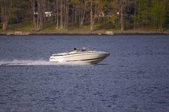 Boot op Meer Stock Foto's